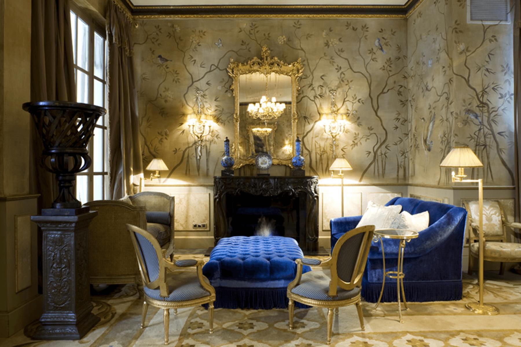 Murales-pintados-a-mano-chonoiserie-sobre-pared-clasico-acrilico-Carol-Moreno-pintora-artistica-Hotel-Palace-Barcelona